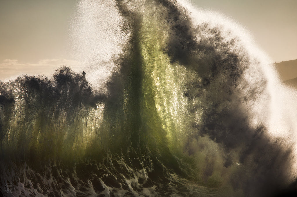 Exploding Light and wave energy with Thurston Photo
