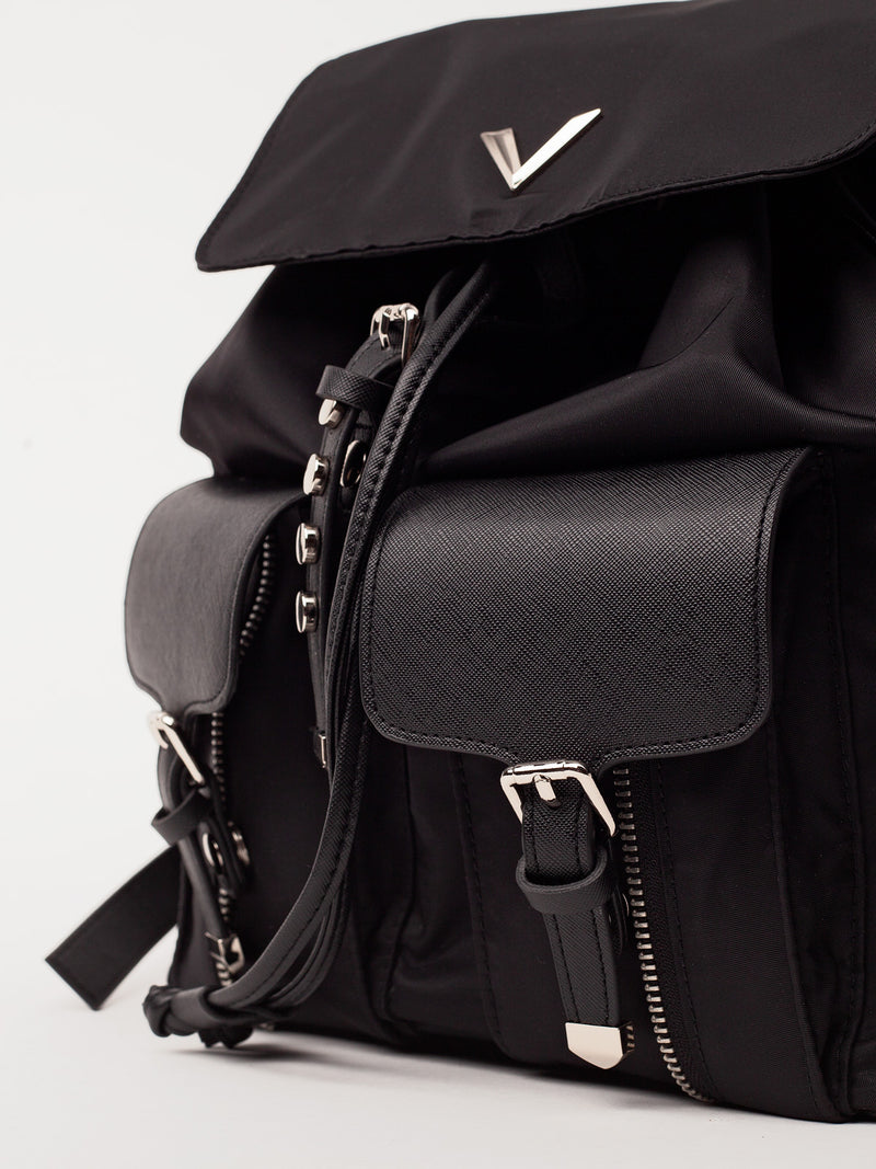 Lovve brandy backpack close up shot