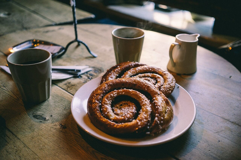 cinnamon buns // mahabis journal
