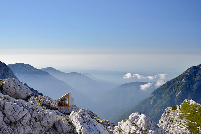 mahabis retreats // the air-lifted slovenian alpine shelter
