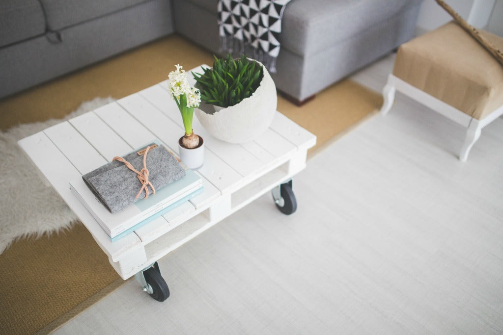 pallet coffee table // mahabis journal