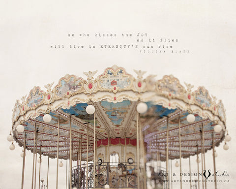 Who kisses the Joy - Carousel Photo