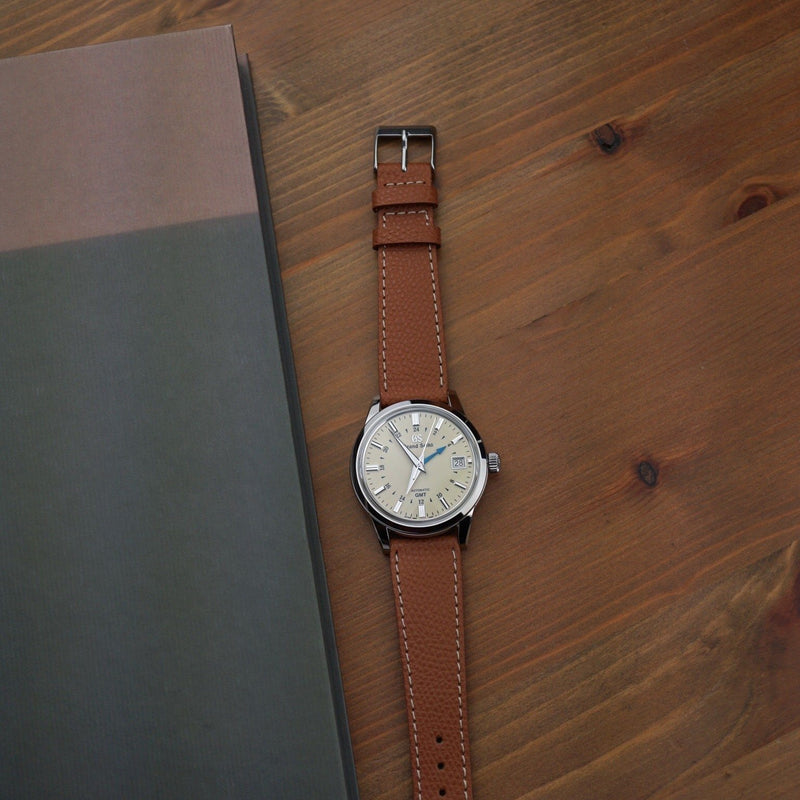 Honey - grained calf leather - white stitch Perpetual Watch Lover
