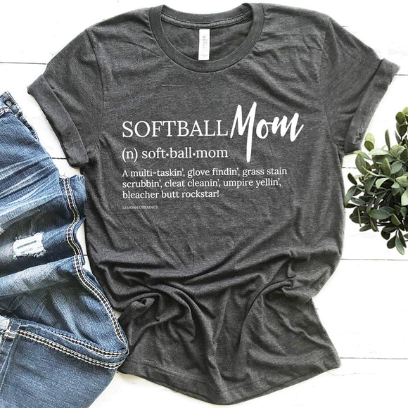 SOFTBALL MOM - Graphic Tee