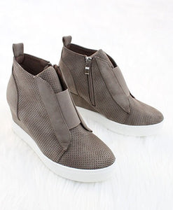 Zoey Sneaker - Taupe
