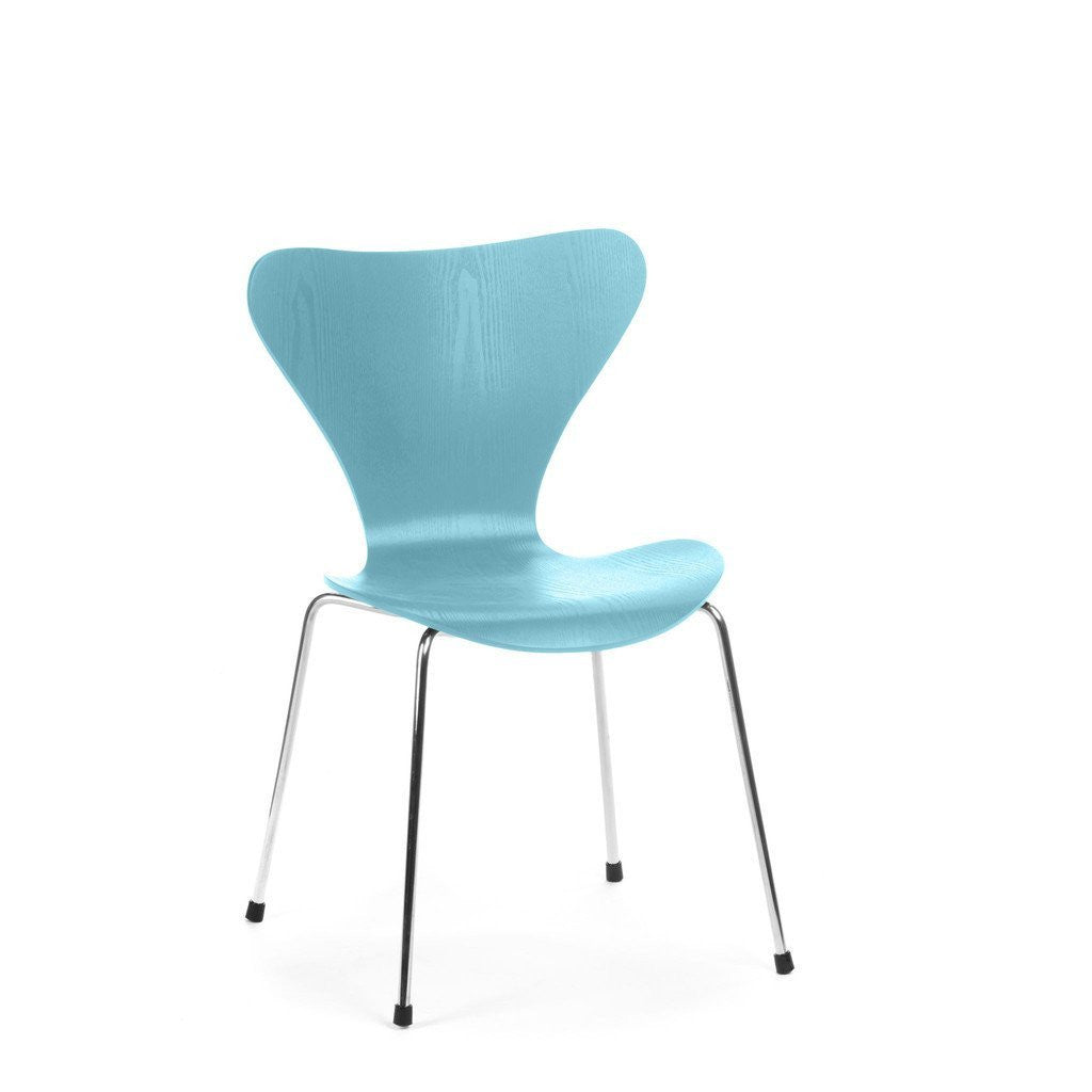 Jacobsen Series 7 Chair in blue