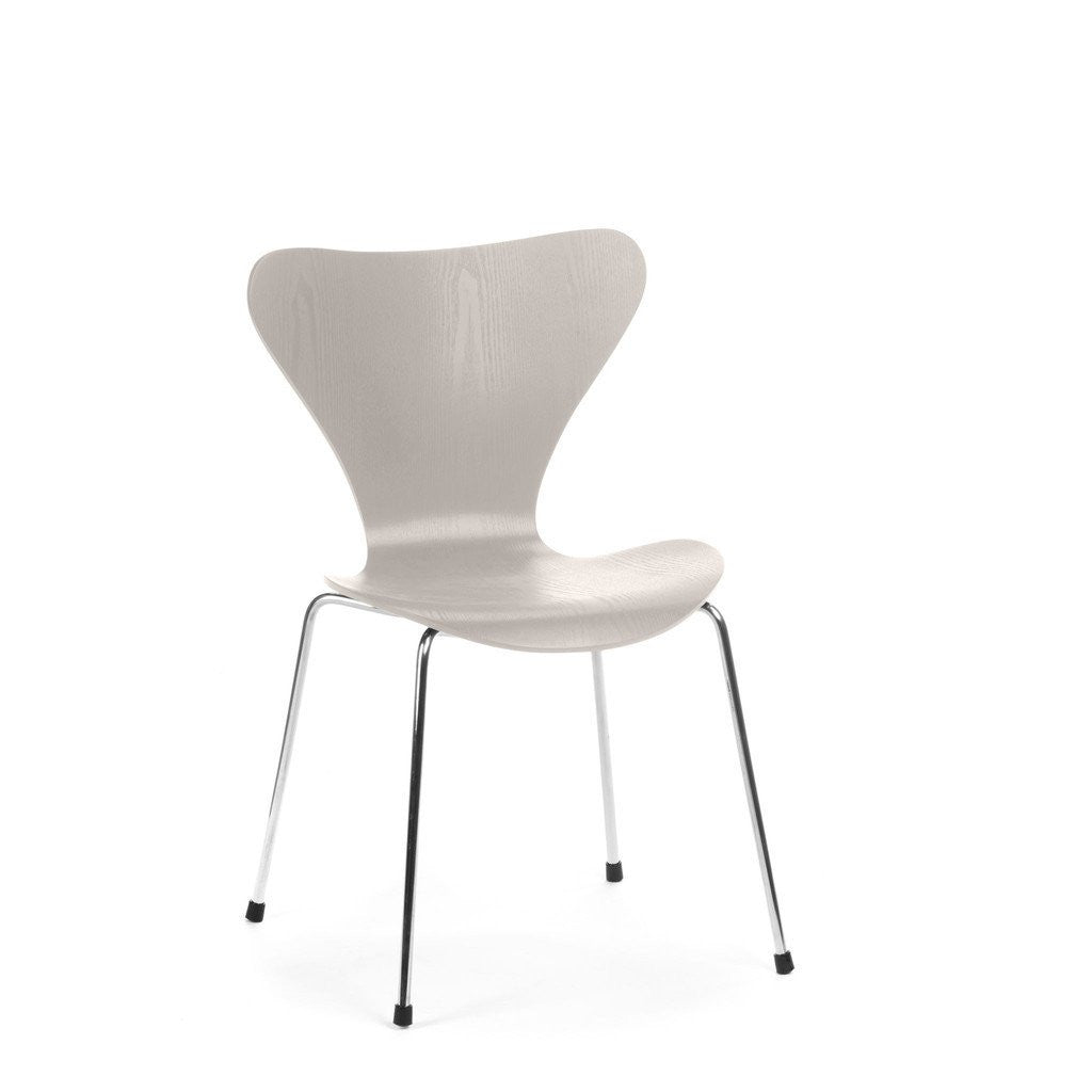 Jacobsen Series 7 Chair in grey