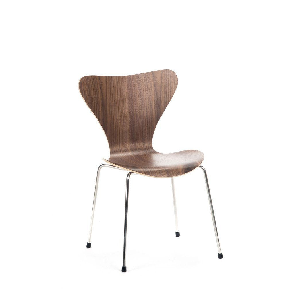 Jacobsen Series 7 Chair in walnut