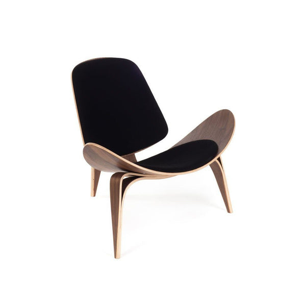 Wegner Shell Chair black leather