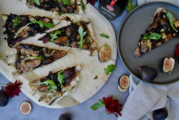 Grilled Fig and Balsamic Onion Pizza