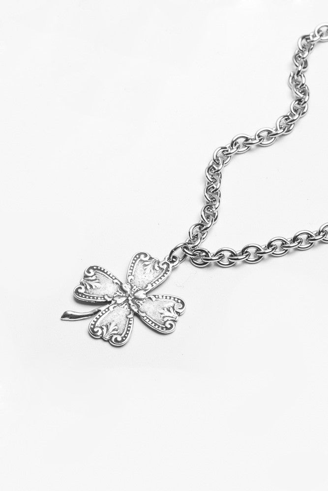 Clover pendant necklace aloadofball Image collections