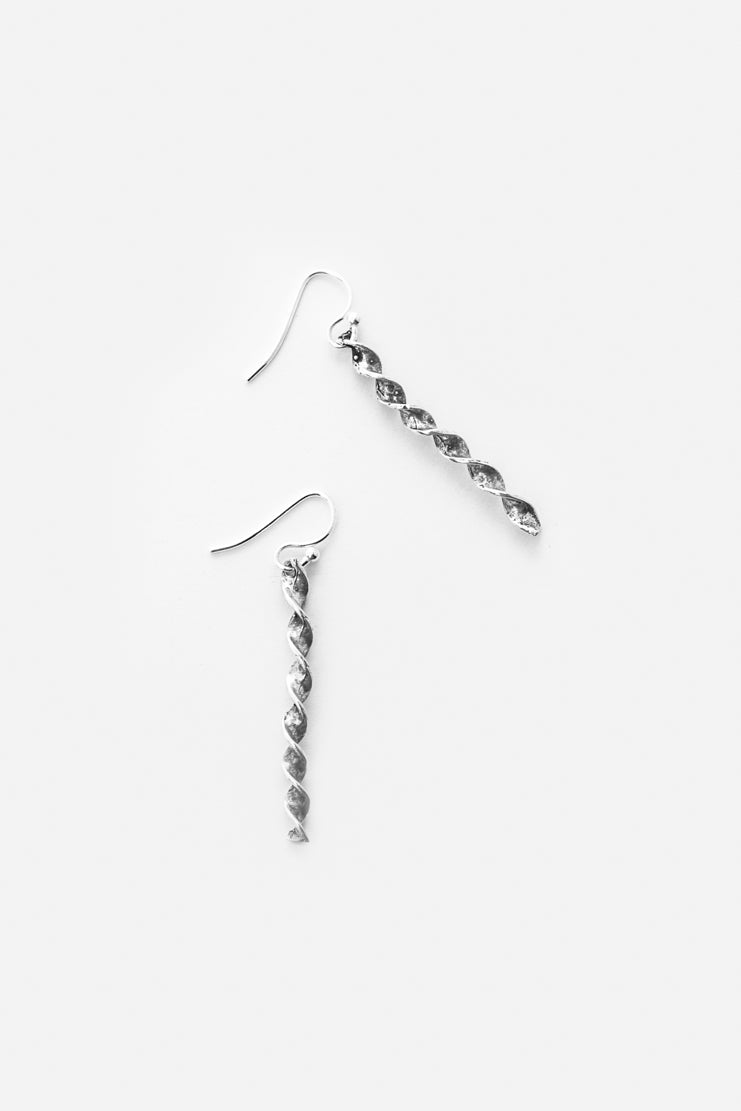 Serena Bar Earrings