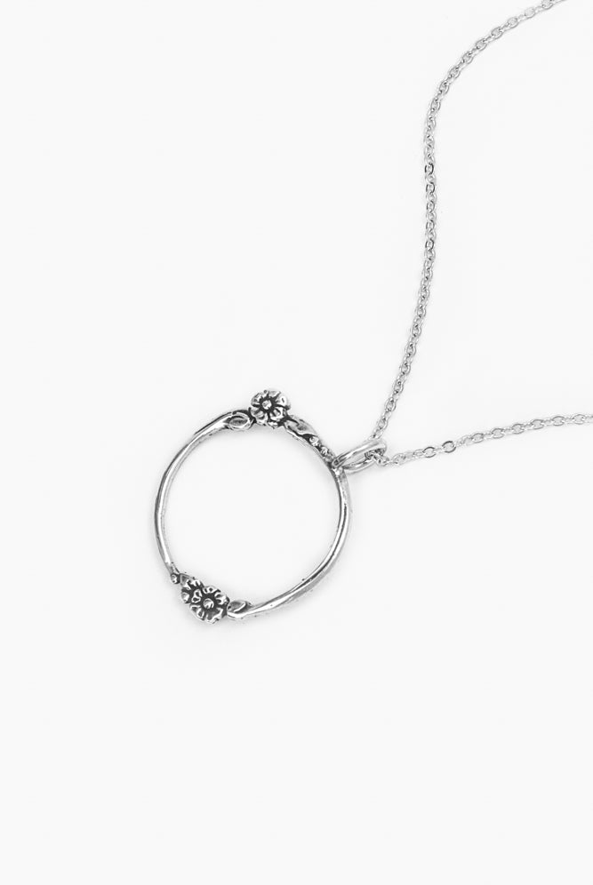 Holly Circle Necklace