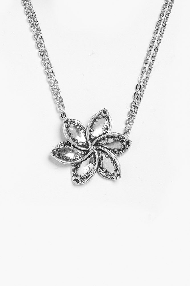 Lila Flower Pendant Necklace