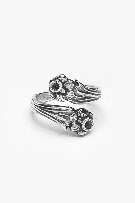 Lilly Spoon Ring