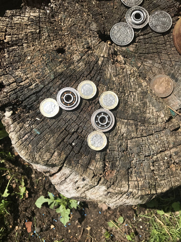 Fidget spinner Pound coins (medium).