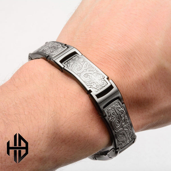 Hollis Bahringer Men's Black IP Bold Ornate Texture Link Bracelet