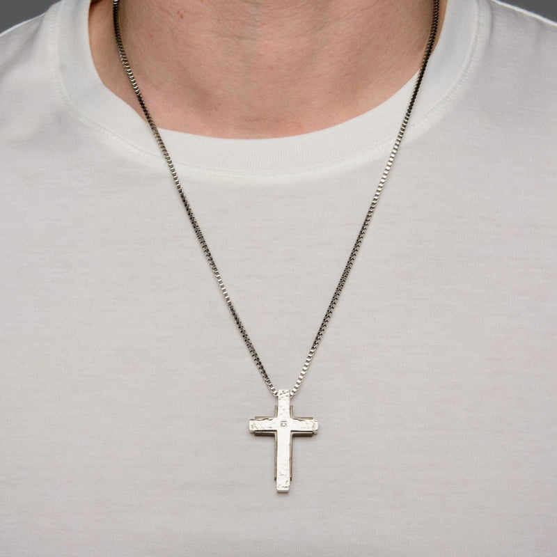 Hammered with CZ and Black IP Back Cross Pendant - Bijouterie en ligne - 4