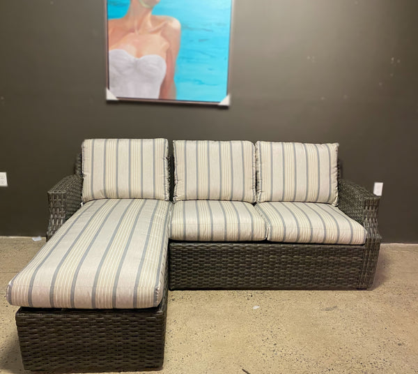 CASCADE SOFA WITH CHAISE