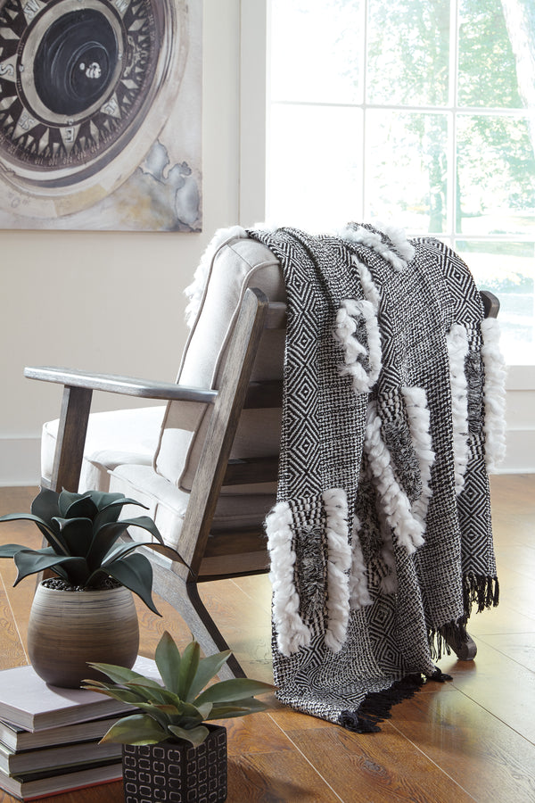 CORNERSTONE HOME INTERIORS - ACCENT - JARMAINE THROW