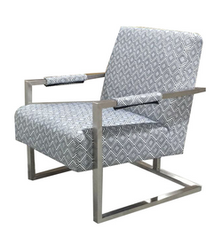 CORNERSTONE HOME INTERIORS - CHAIR - STAINLESS STEEL FRAMED ACCENT CHAIR IN A GREY AND WHITE MODERN FABRIC