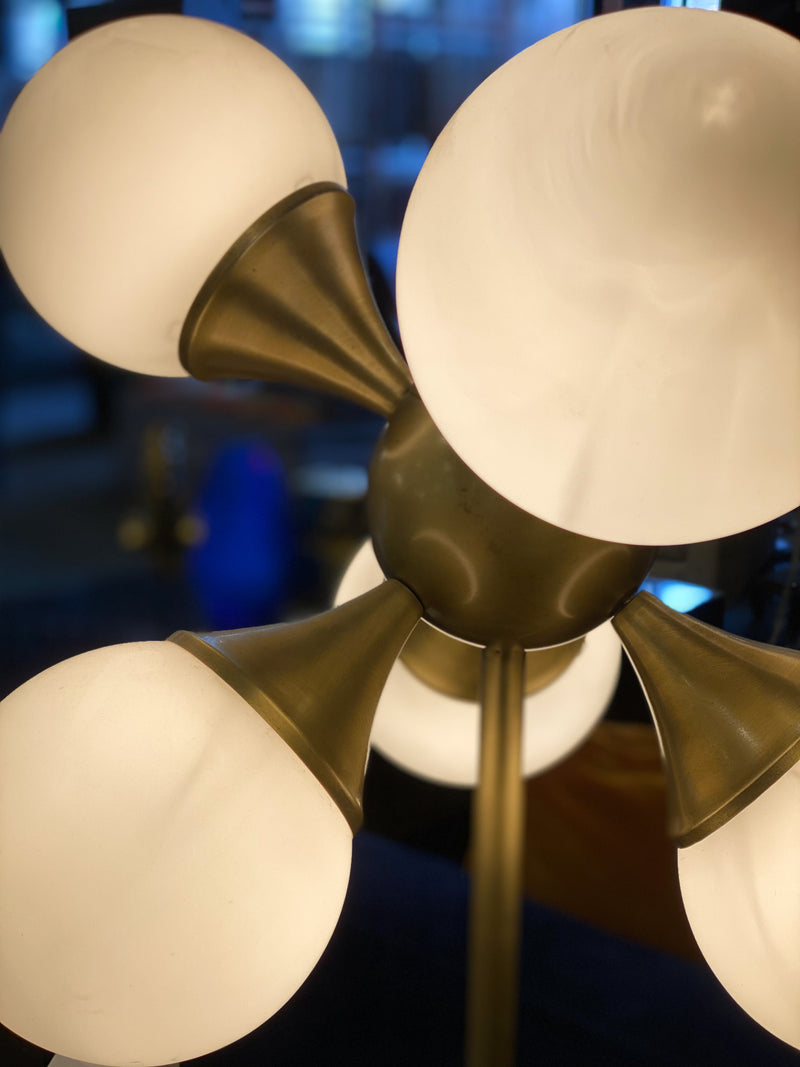 GLOBULAR TABLE LAMP