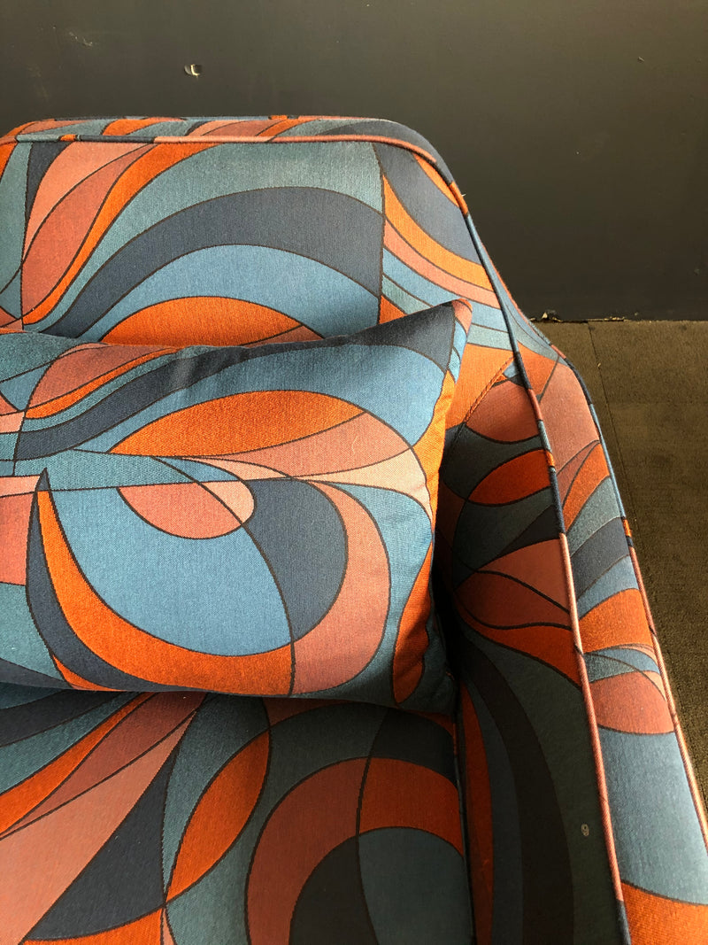 AURORA ACCENT CHAIR