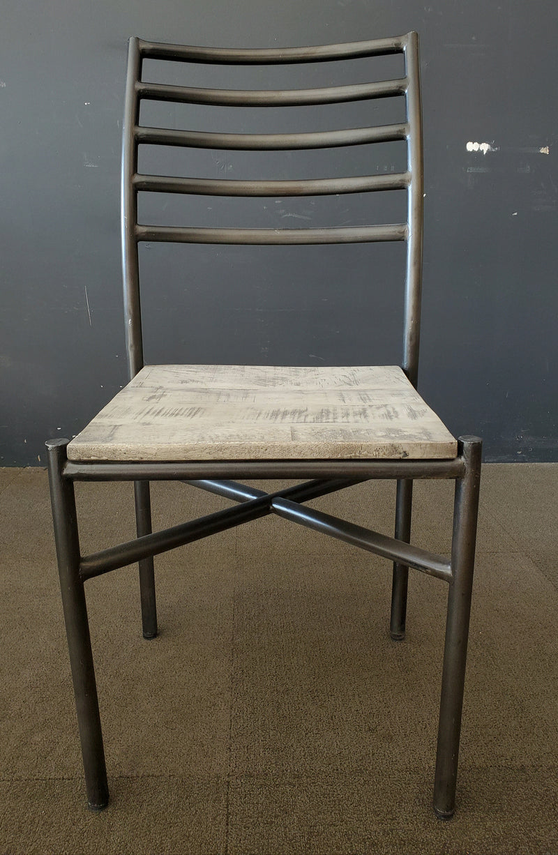 ARREY IRON DINING CHAIR