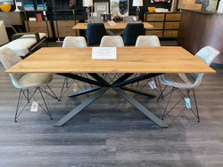 CONQUEST DINING TABLE