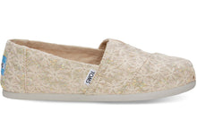 Load image into Gallery viewer, Toms Youth Seasonal Classics Daisy