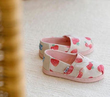 Load image into Gallery viewer, Toms Tiny Seasonal Classics Strawberries