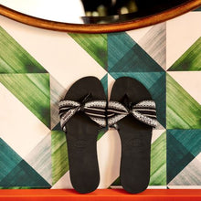 Load image into Gallery viewer, Havaianas You Saint Tropez Fita