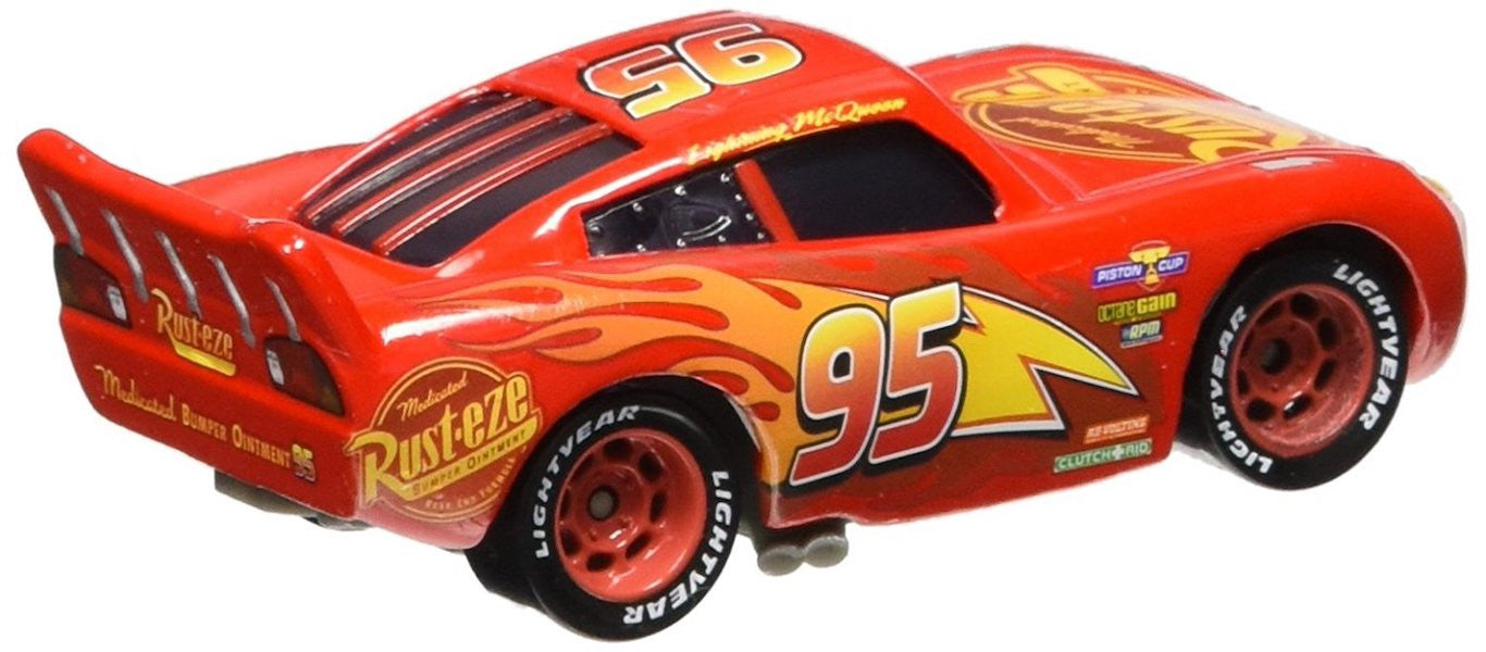 disney cars 3 lightning mcqueen die cast car by mattel. Black Bedroom Furniture Sets. Home Design Ideas