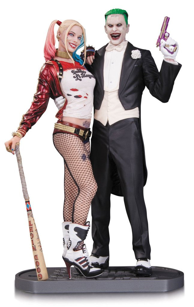 Suicide Squad: Joker and Harley Quinn Statue by DC Collectibles