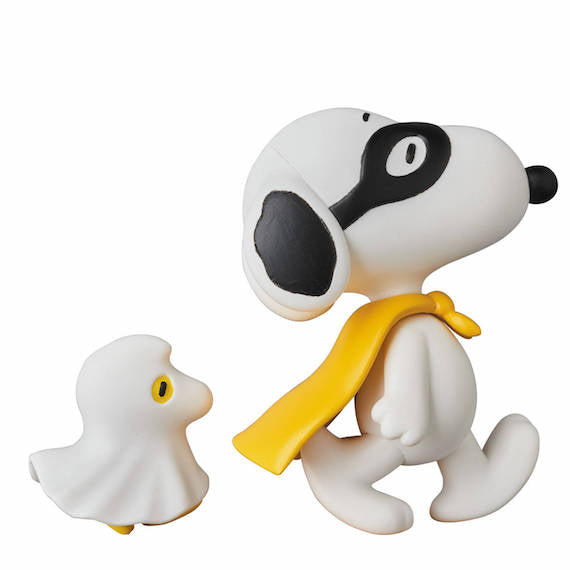 Peanuts Halloween Snoopy with Woodstock Ultra Detail Figure by Medicom Toy Corporation
