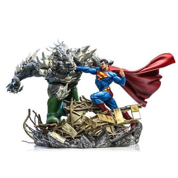 DC Comics: Superman Vs Doomsday 1:6th Scale Diorama Statue by Iron Studios