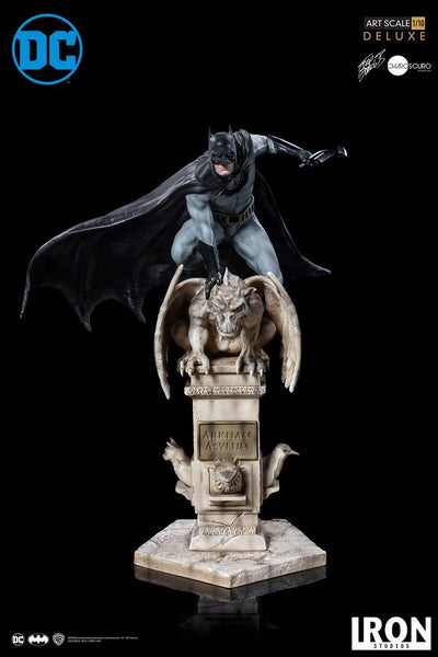Batman (Eddy Barrows - Regular Edition) 1:10 Scale Statue by Iron Studios -Iron Studios - India - www.superherotoystore.com