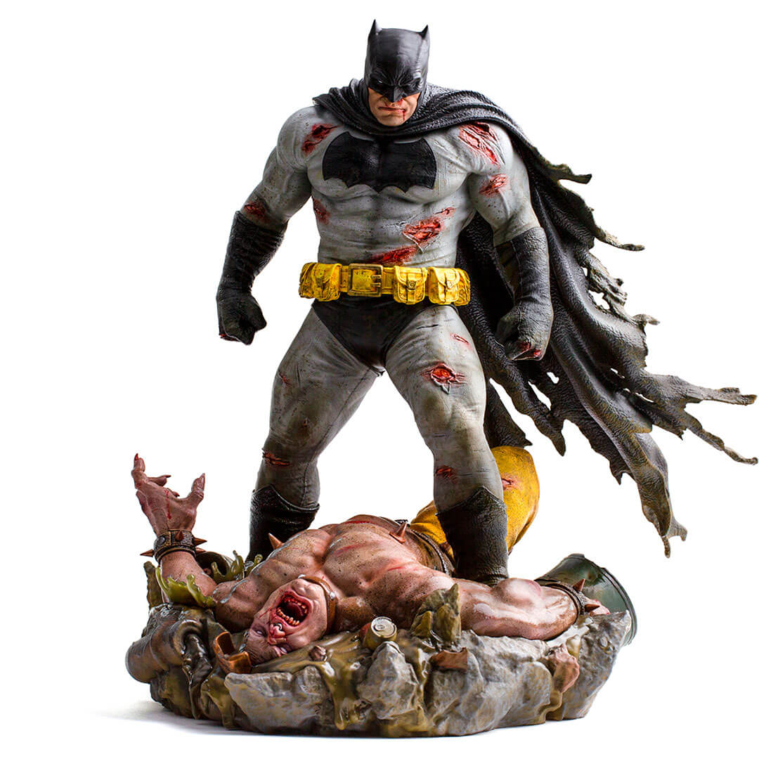 DC Comics Batman The Dark Knight Returns 1/6th Scale Diorama Figure by Iron Studios -Iron Studios - India - www.superherotoystore.com