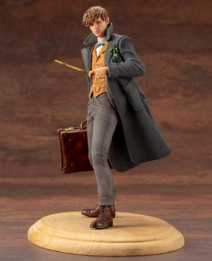 Fantastic Beasts The Crimes of Grindelwald Newt Scamander ARTFX+ Statue by Kotobukiya