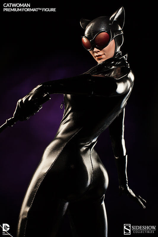Catwoman 1/4th Scale Premium Format Figure by Sideshow Collectibles-Sideshow Collectibles- www.superherotoystore.com-Statue - 5