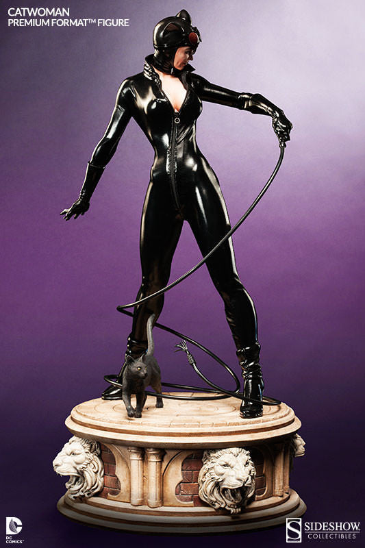 Catwoman 1/4th Scale Premium Format Figure by Sideshow Collectibles-Sideshow Collectibles- www.superherotoystore.com-Statue - 2