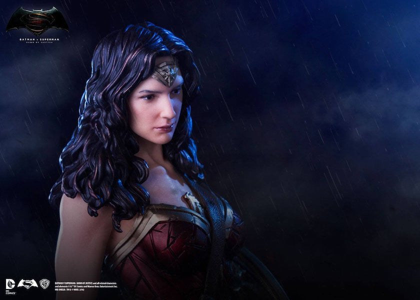 Batman Vs Superman Dawn Of Justice Wonder Woman Statue By Iron Studios