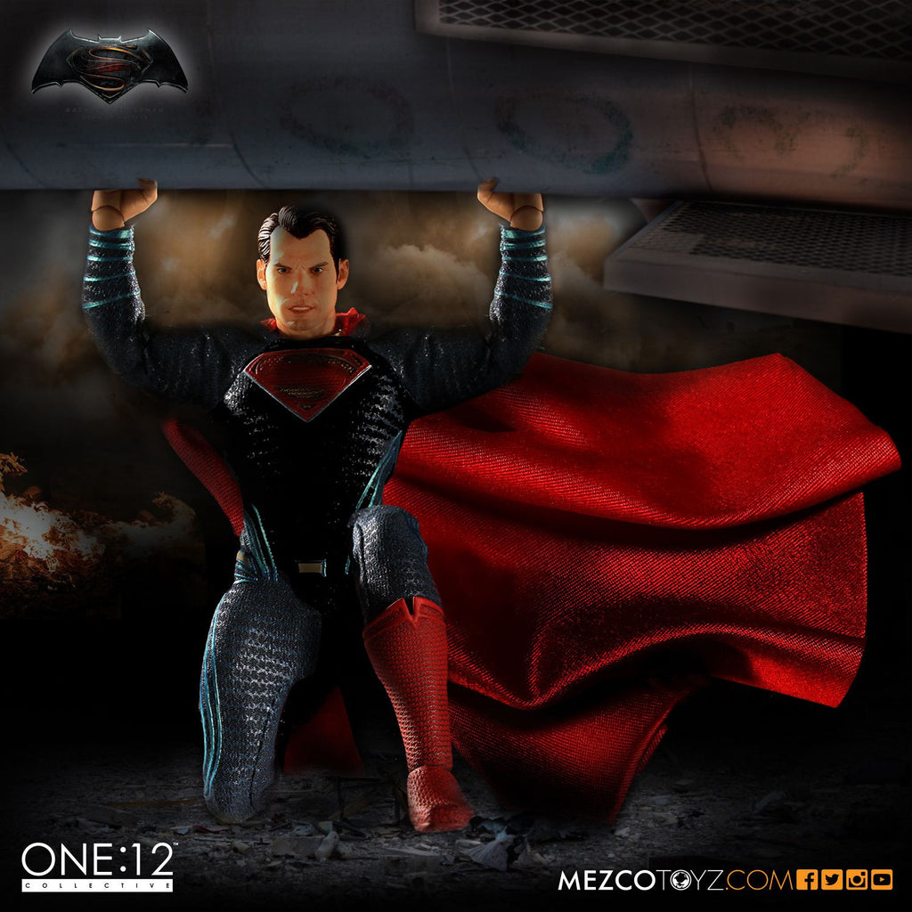 One:12 Collective - Dawn Of Justice - Superman-Mezco Toys- www.superherotoystore.com-Action Figure - 4