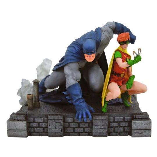 Batman and Robin deluxe Diorama Statue by Diamond Select Toys