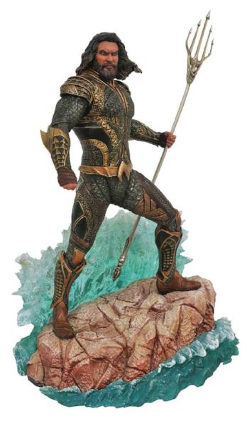 DC Comics Gallery Justice League Movie Aquaman Statue by Diamond Select