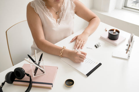 minima basics office workspace with pink outfit minimalist and chic