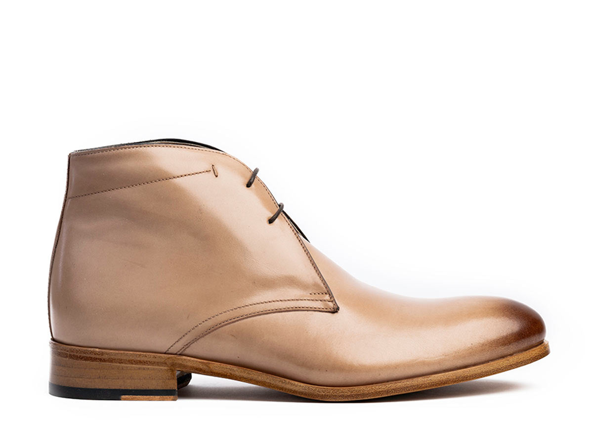 Lorenzo Chukka Boot in Latte Antique