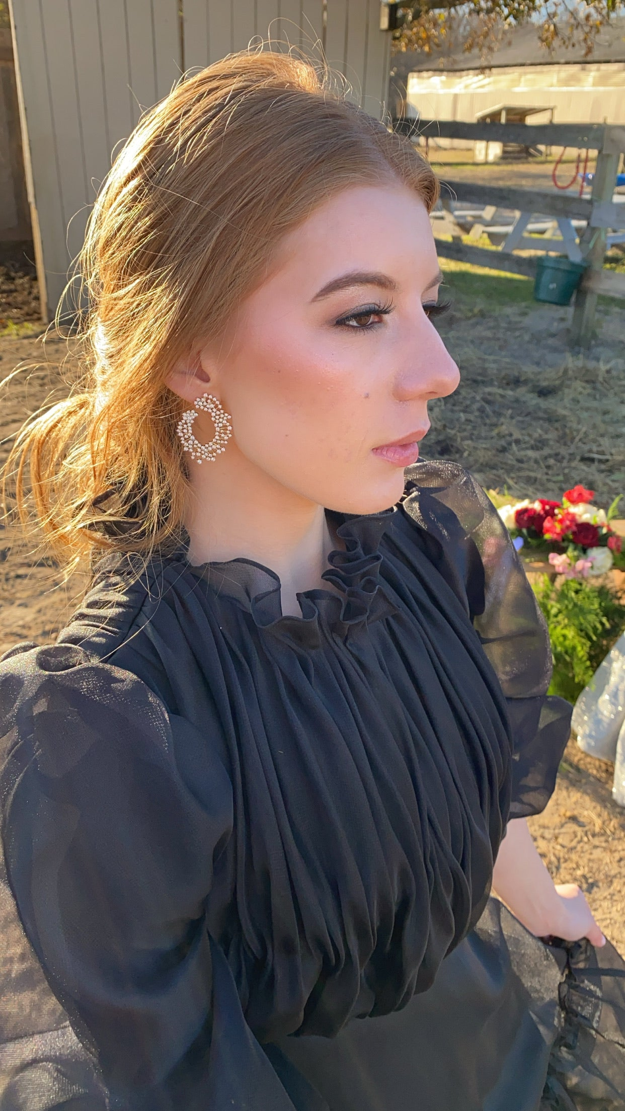 Unique Outer Detailed Earrings