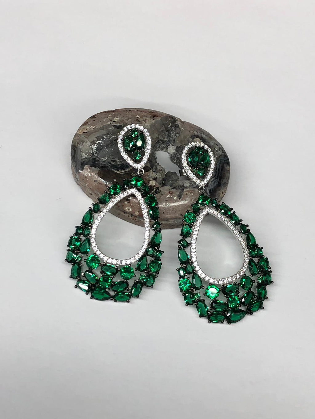 Exquisite Detailed Teardrop Earrings