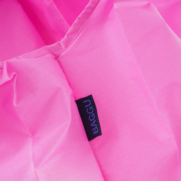 Baggu Bright Pink Standard Reusable Bag - detail shot